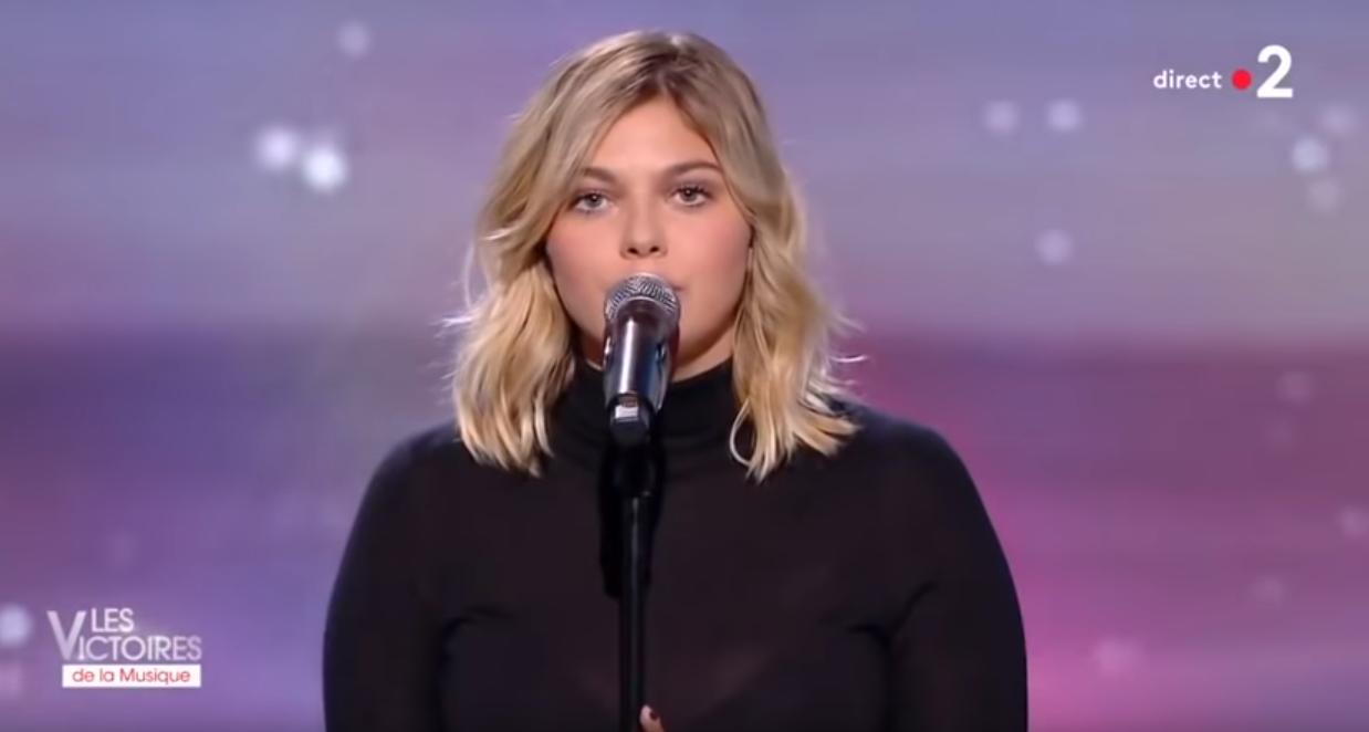 La chanteuse Louane a été victime d'un déversement haineux sur les réseaux sociaux au cours de la soirée des Victoires de la Musique 2019 qui s'est déroulée début février.