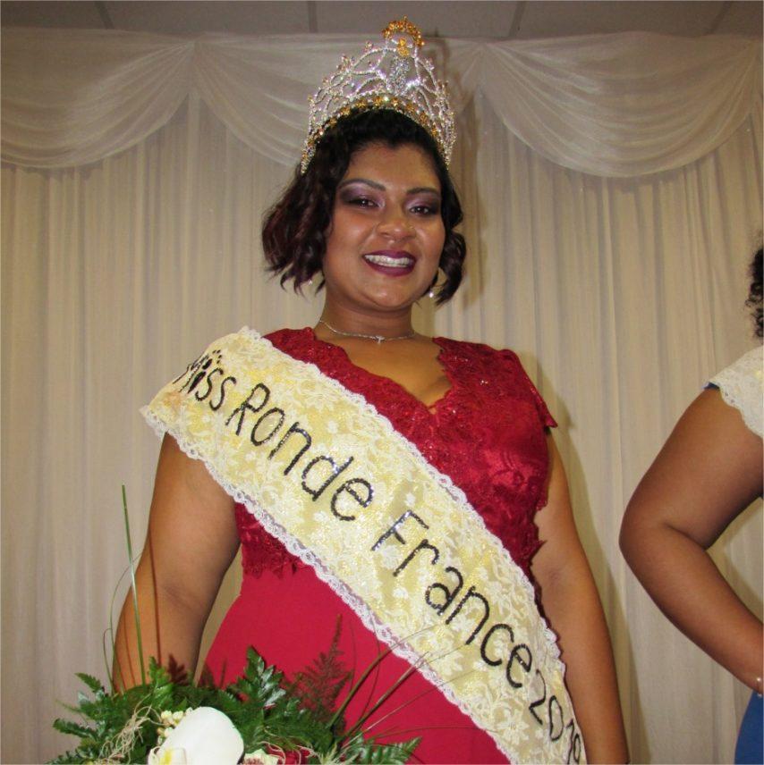 Samedi 16 mars, la jeune Réunionnaise Chloé Fock Kam est devenue Miss Ronde France 2019.