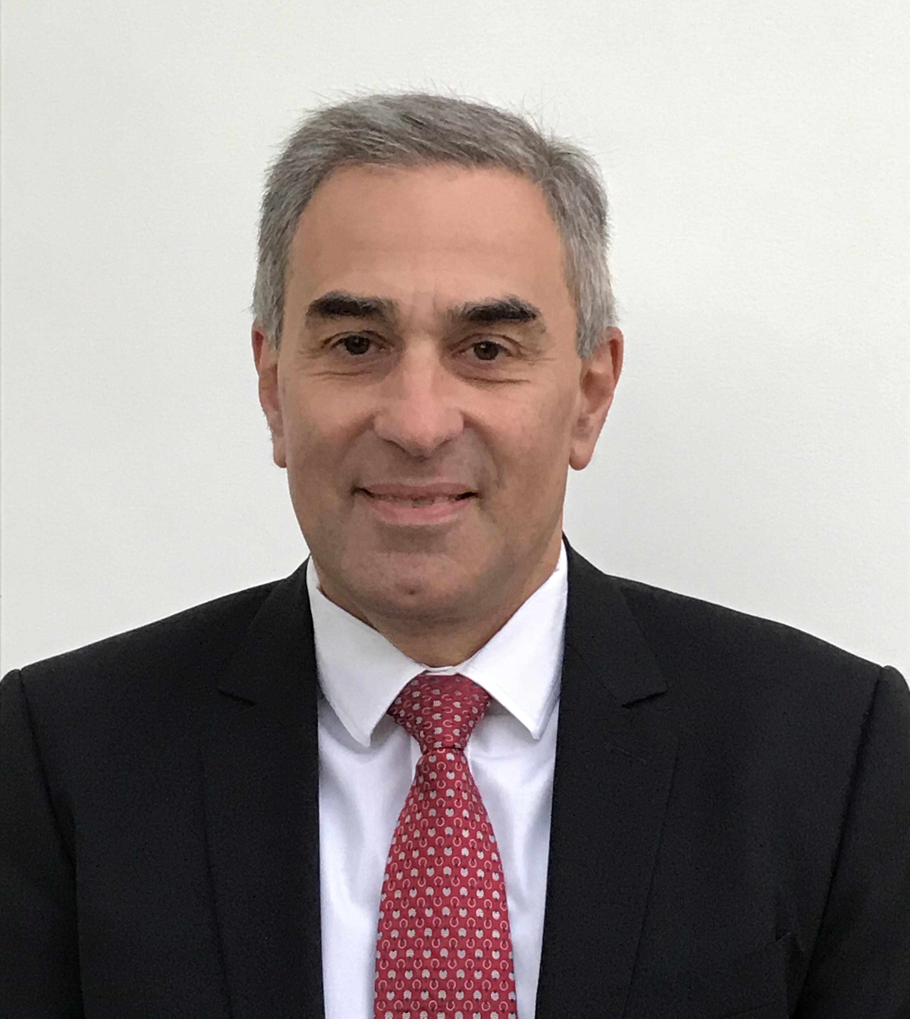 L'interview Professeur Patrick Tounian : « L'obésité est un injustice génétique ». Le chef du service de Nutrition et gastroentérologie pédiatriques de l'hôpital Trousseau répond « cash » aux questions de la LCO.