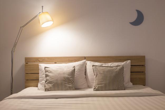 Mal dormir à cause de la lumière artificielle provoque-ils de l'obésité ? Si l'étude parue dans la revue Jama Internal Medicine n'est pas parfaite et mérite de nouveaux approfondissements, elle ajoute sa pierre à une littérature scientifique de plus en plus fournie sur les effets délétères de la lumière artificielle la nuit.
